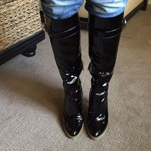 Gucci boots. Knee-hi black patent leather. Size 9